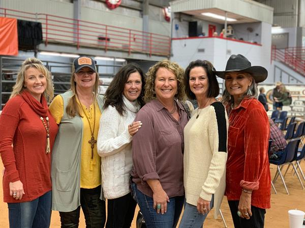 HIred Hand customer Brandi Shukers, Holy Cow Longhorns; Rhonda Poe, 3P Longhorns; Pam Loomis, Loomis Ranch; Cindy Bolen, Bolen Longhorns; Teresa Krause, Circle K Ranch; Toni Stegemoller, TL Longhorns