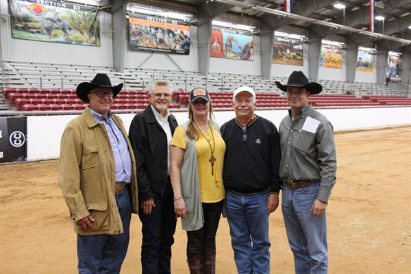 Hired Hand customers and Futurity Judges Jerry Loveday, E&L Longhorns; John Helm, Helm Cattle Co; Rhonda Poe, 3P Longhorns; Mark Gilliland, Gilliland Ranch; and Bear Davidson, G&G Longhorns and Eastwind Cattle